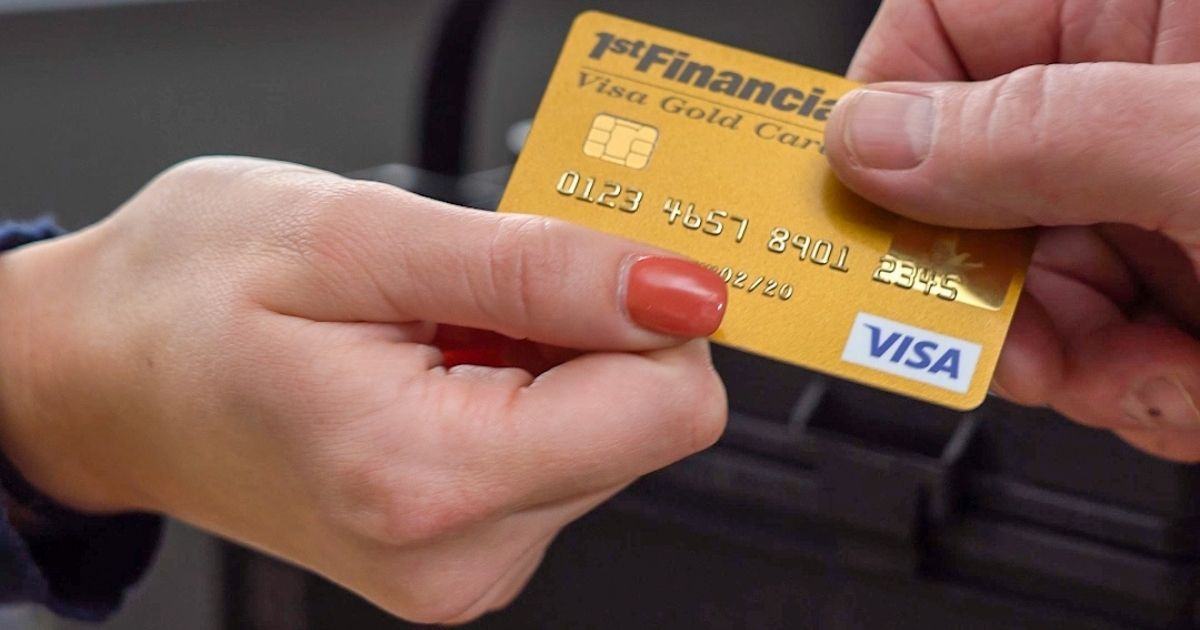 5 Things You Should Buy With a Student Credit Card