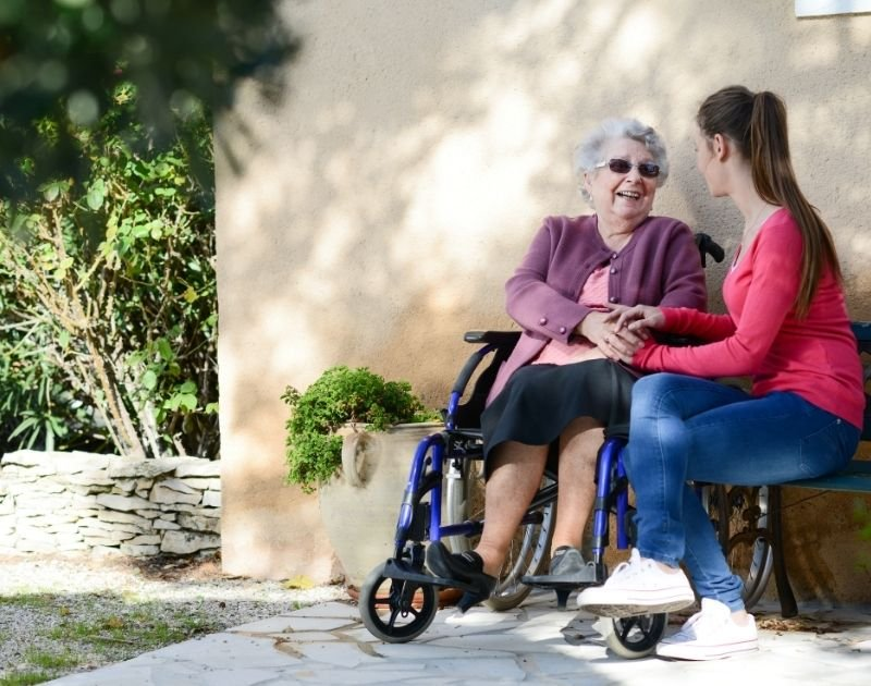 Elderly Pic- 25 Ways to Volunteer